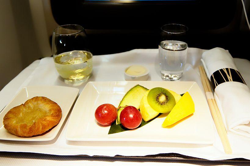 ビジネスクラス機内食(朝食 フルーツ)