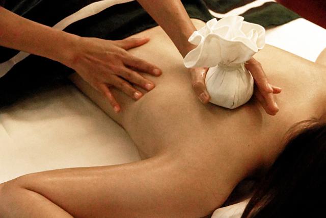 タイのハーバルボウルも身体を温めて癒すメニューのひとつ